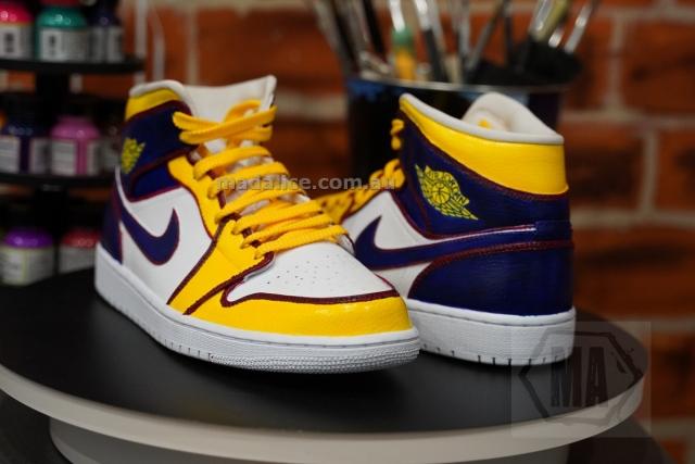 Lakers themed Jordan 1 mids