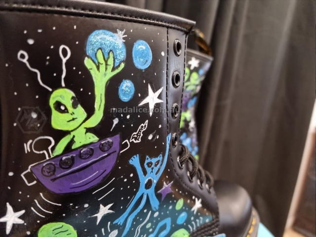 Alien custom painted boots