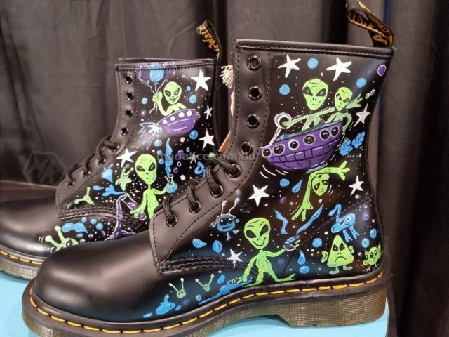 hand drawn funny alien cutom doc boots