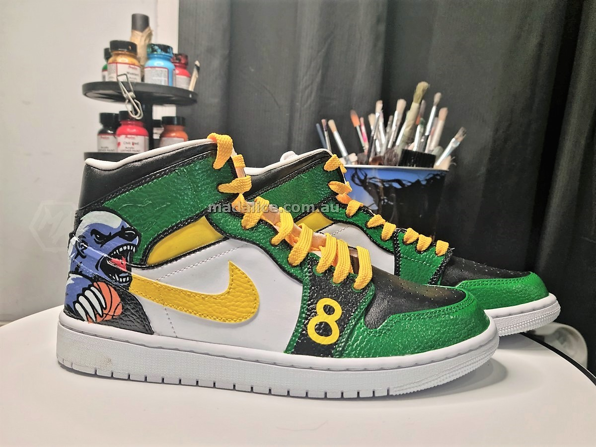 custom shoes for the Aussie paralympian