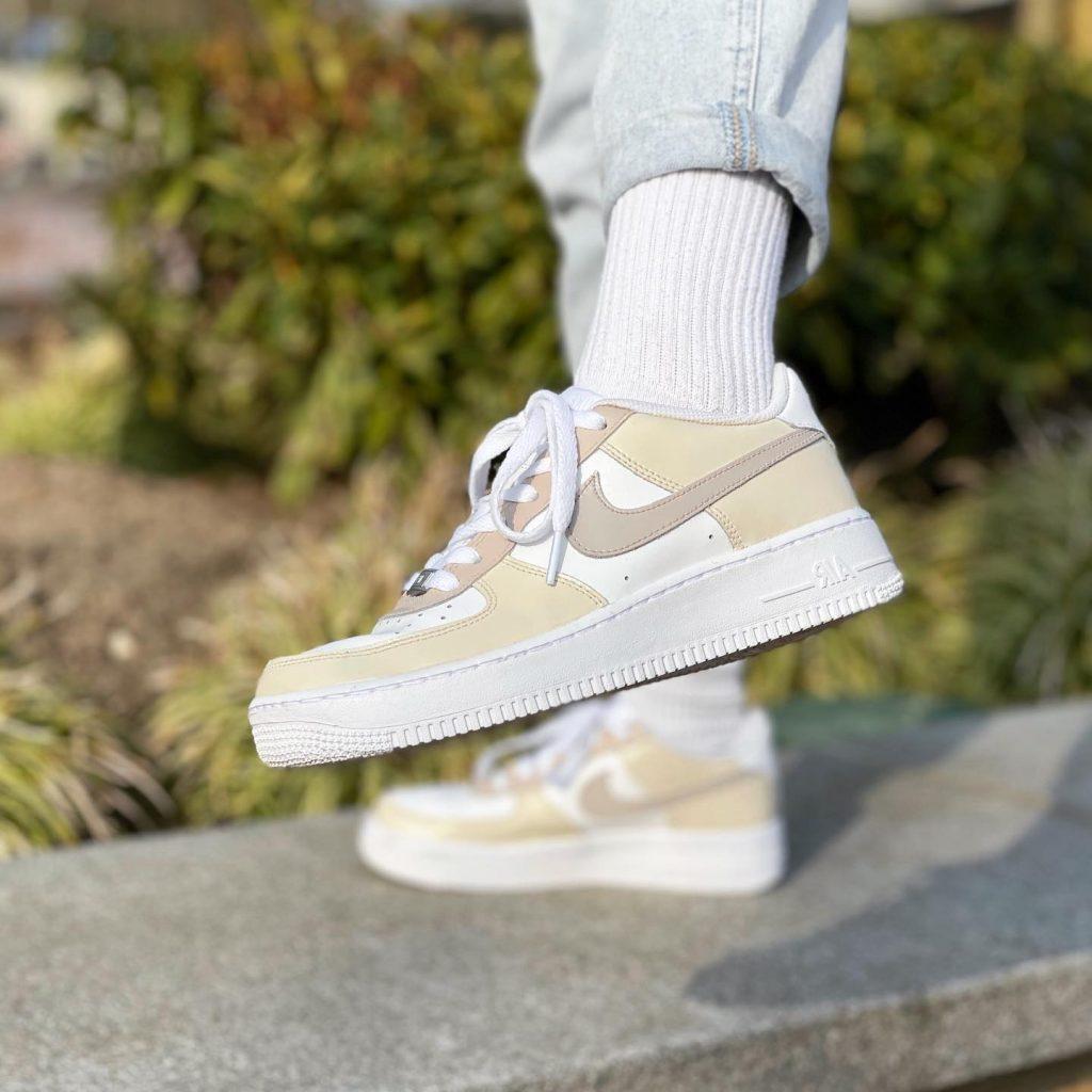 neutral toned af1 kicks